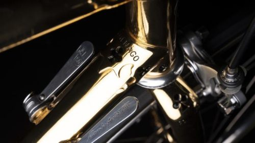 http://www.cyclingnews.com/news/ernesto-colnago-presented-with-gold-arabesque-to-celebrate-87th-birthday/