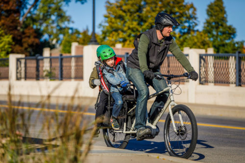 https://bikerumor.com/2019/02/22/surly-powers-up-big-easy-electric-cargo-bike-to-carry-your-kids-or-300-beers/