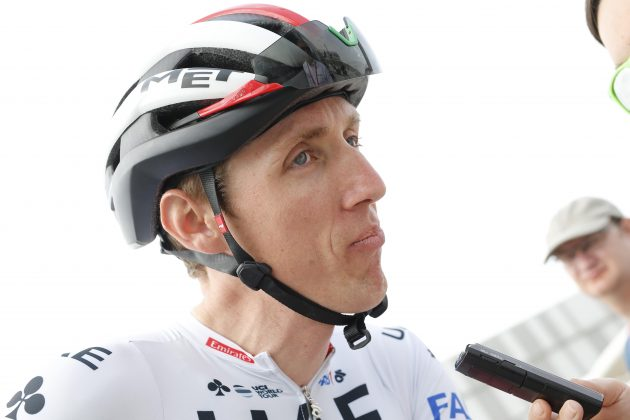 https://www.cyclingweekly.com/news/latest-news/dan-martin-romain-bardet-targeted-thieves-volta-catalunya-crash-412551