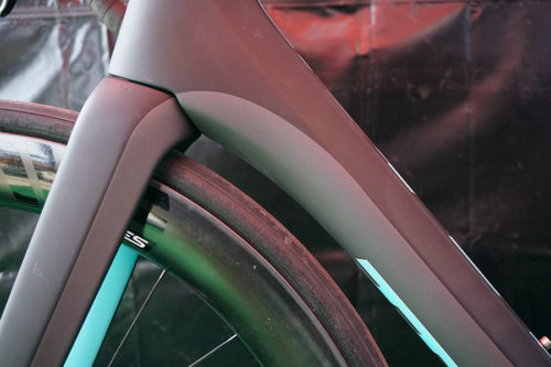 https://bikerumor.com/2019/04/13/all-new-parlee-rz7-aero-road-bike-hides-everything-from-the-wind-including-brakes/