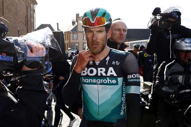 http://www.cyclingnews.com/news/concussion-fractured-vertebra-for-drucker-in-dwars-door-vlaanderen-crash/