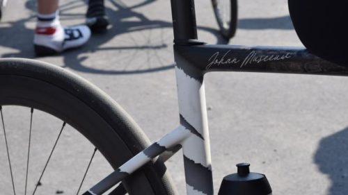 http://www.cyclingnews.com/features/johan-museeuws-custom-painted-s-works-tarmac-disc-gallery/