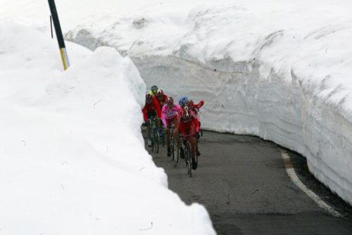 http://www.cyclingnews.com/news/giro-ditalia-passo-gavia-removed-due-to-avalanche-threat/