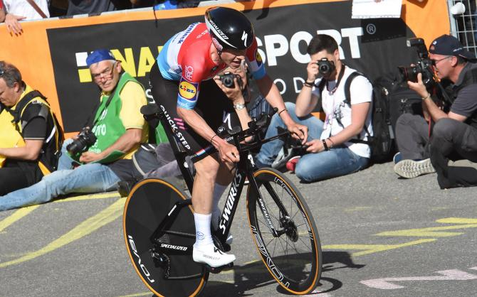 http://www.cyclingnews.com/news/new-specialized-shiv-spotted-at-giro-ditalia/