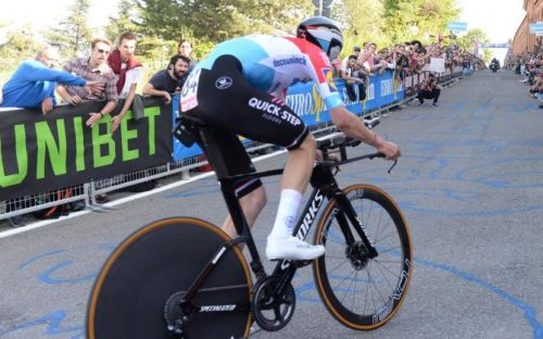 http://www.cyclingnews.com/news/new-specialized-shiv-spotted-at-giro-ditalia/