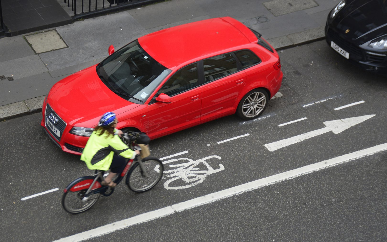 https://www.cyclingweekly.com/news/latest-news/painted-cycle-lanes-result-close-passes-drivers-study-finds-422068