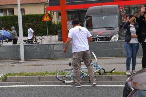 https://www.cyclingweekly.com/news/racing/giro-ditalia/italy-expel-tunisian-man-giro-ditalia-bike-incident-according-reports-426100