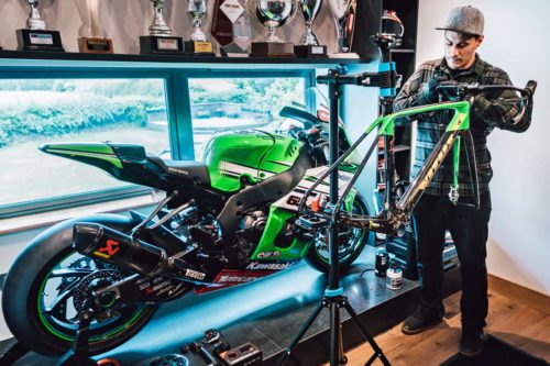 https://bikerumor.com/2019/06/26/world-superbike-champ-jonathan-reas-custom-vitus-zx-1-disc-carbon-road-bike/