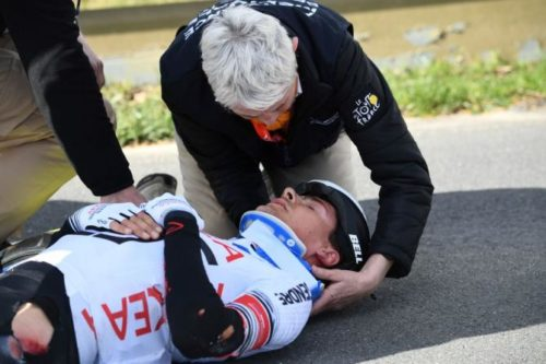 http://www.cyclingnews.com/news/barguil-diagnosed-with-fractured-pelvis-following-catalunya-crash/