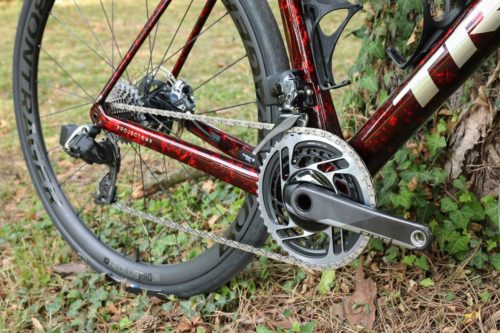 https://bikerumor.com/2019/07/25/new-trek-domane-smooths-pavement-with-updated-isospeed-huge-tire-clearance/