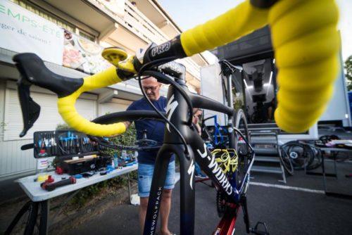 https://road.cc/content/tech-news/263572-tour-de-france-pro-bike-julian-alaphilippes-specialized-s-works-tarmac-disc