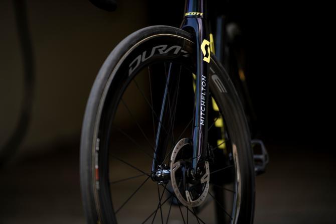 http://www.cyclingnews.com/features/tour-de-france-bikes-simon-yates-scott-addict-rc-disc/