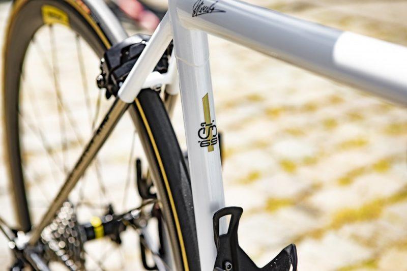 https://road.cc/content/news/264688-oliver-naesen-rides-steel-eddy-merckx-bike-champs-elysees