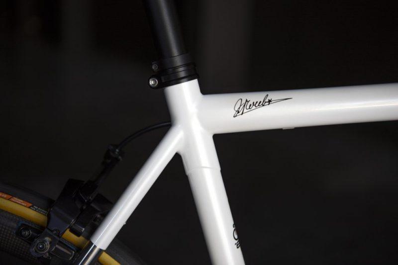 https://www.cyclist.co.uk/news/6817/oliver-naesen-steel-eddy-merckx-bike-photos#5