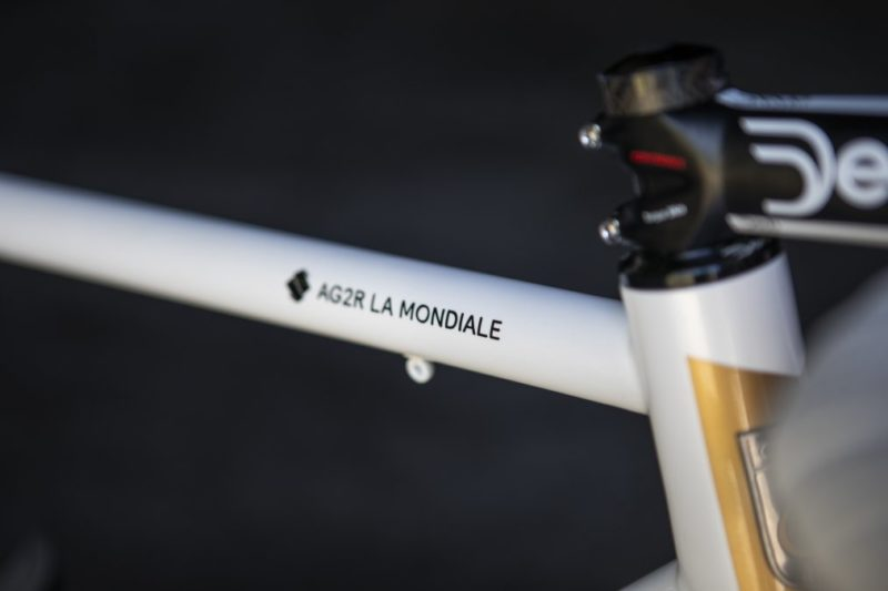 https://www.cyclist.co.uk/news/6817/oliver-naesen-steel-eddy-merckx-bike-photos#10