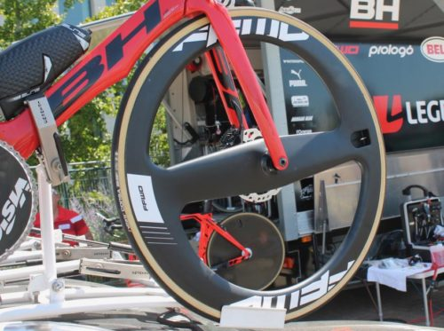https://road.cc/content/tech-news/264028-ffwds-stunning-new-falcon-2-spoke-wheel-debut-tour-de-france-time-trial