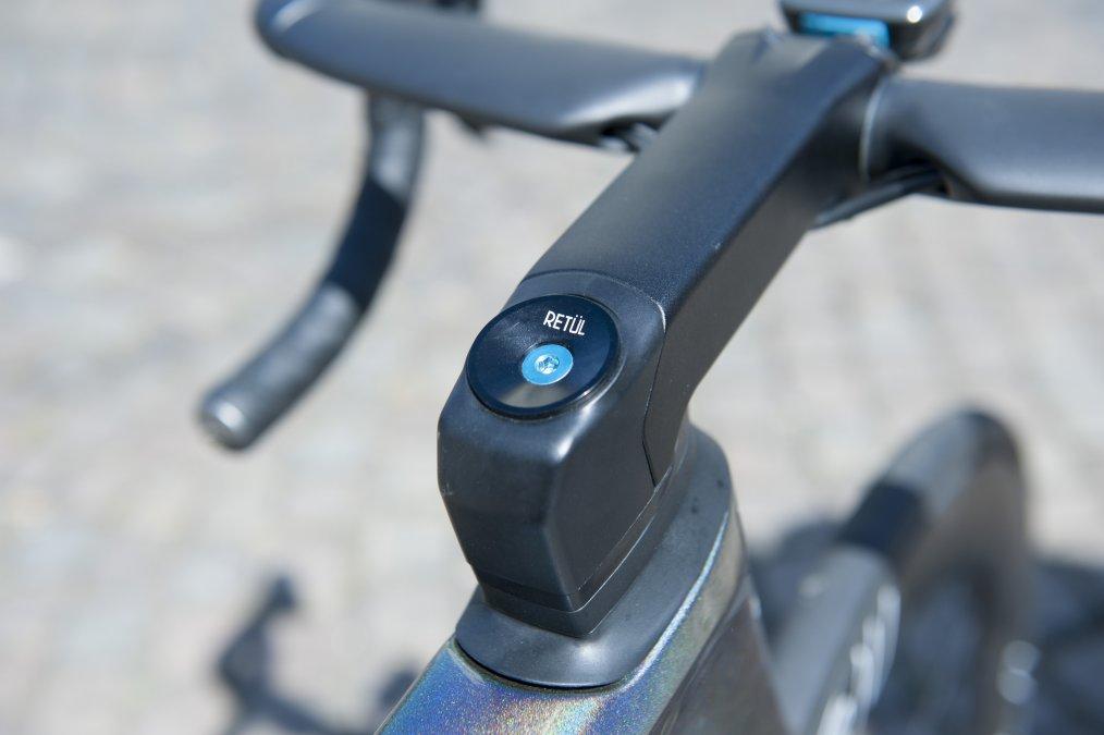 https://www.cyclist.co.uk/news/6678/peter-sagans-specalized-s-works-venge-tour-de-france-2019#14