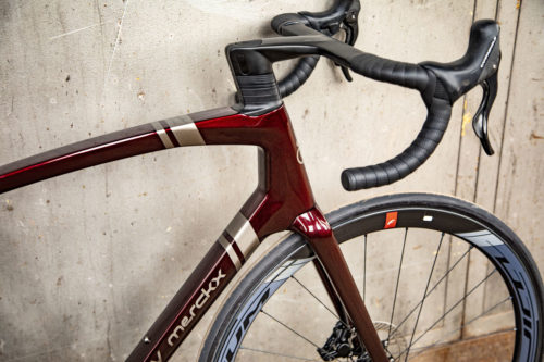 https://bikerumor.com/2019/09/05/eddy-merckx-525-balances-aerodynamics-weight-comfort-for-ultimate-all-rounder/