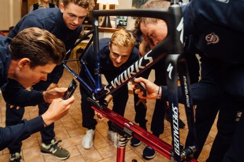 https://www.bikeradar.com/news/specialized-deceuninck-quick-step-tarmac-frame/?image=1&type=gallery&gallery=1&embedded_slideshow=1
