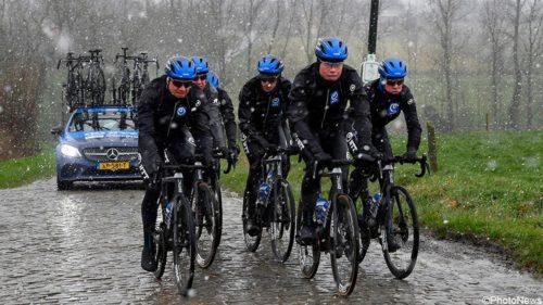 https://sporza.be/nl/matches/wielrennen/omloop-het-nieuwsblad/2020/omloop-het-nieuwsblad-valgren-en-co-trotseren-koude-en-sneeuwvlokken-tijdens-omloop-verkenning/#&gid=1&pid=3
