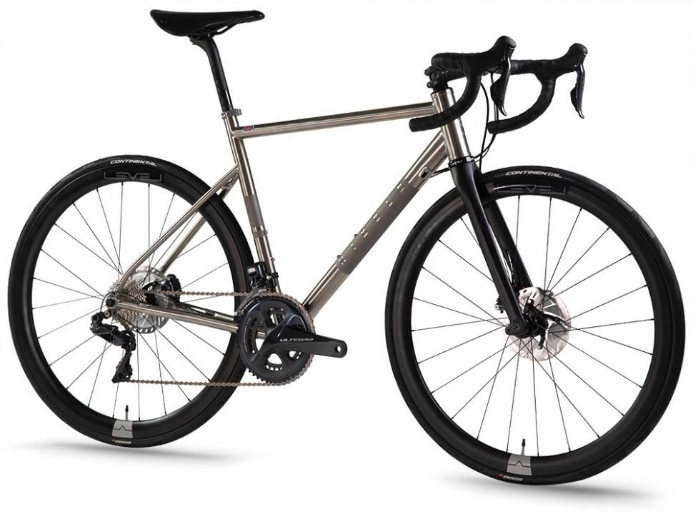 https://www.ribblecycles.co.uk/ribble-endurance-ti-disc/?affwin=Y&affid=78888&utm_source=AffiliateWindow&utm_medium=Sub+Networks&utm_campaign=78888&awc=5923_1585829730_6054a1b60423c6139be57a56fd73dd33
