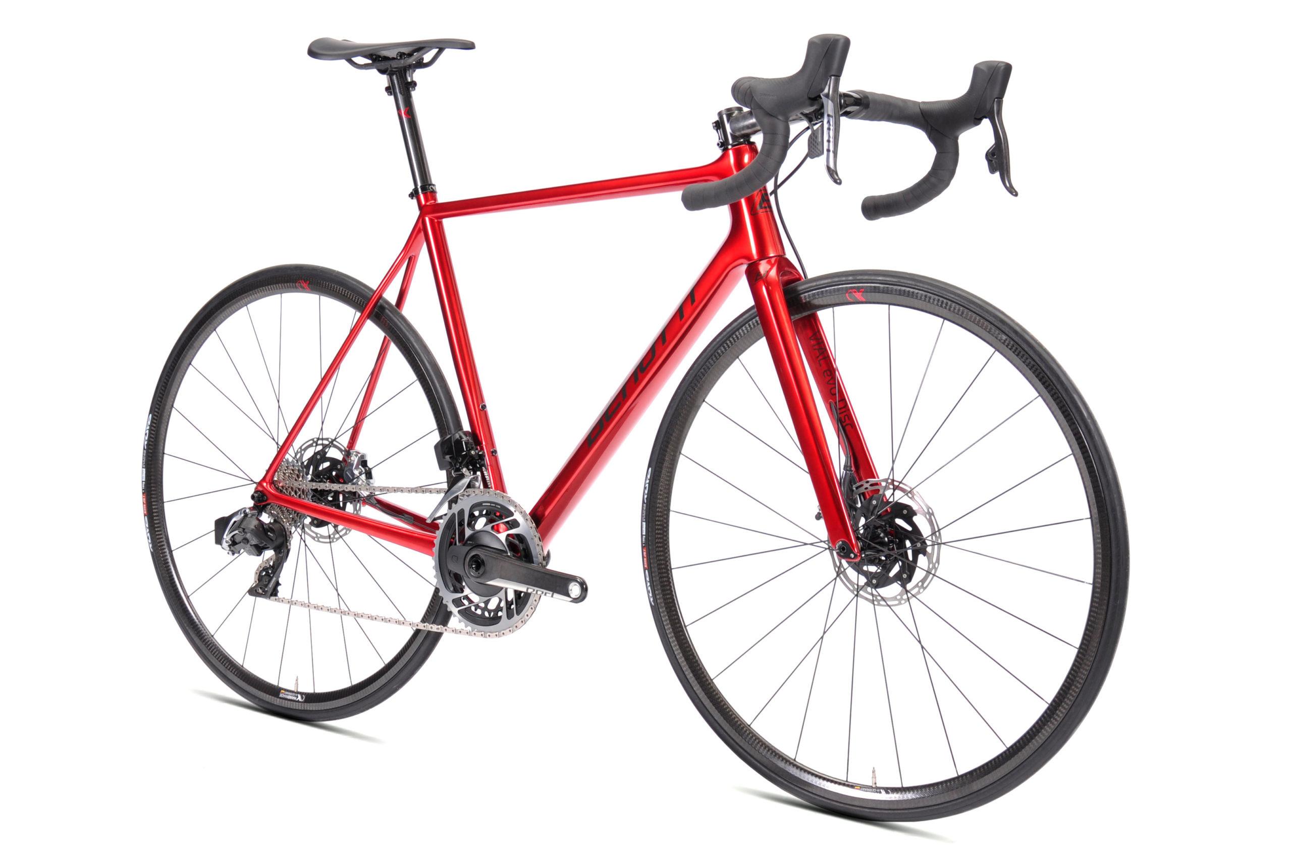 https://www.benobikes.com/de/fahrraeder/roadbikes/vial-evo-disc-by-ax-lightness/vial-evo-disc-climbers-edition/#8bc072289bf7c646e2a5d90b125ffbca