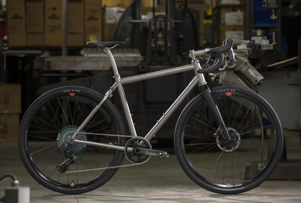 https://moots.com/bike/routt-ybb/